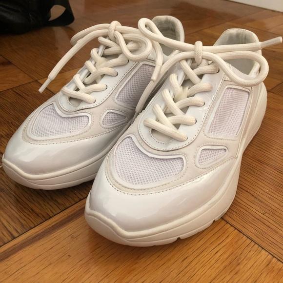 93af9254f6d Brand new Steve Madden dad sneakers